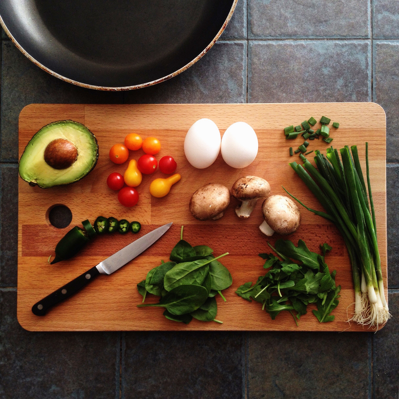 cooking-ingredients-with-avocado-mushrooms-eggs_800